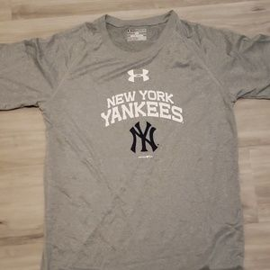 BNWT Under Armour NY Yankees tshirt